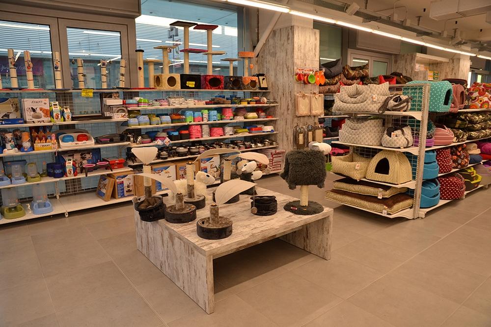 Negozi vendita animali arredamento per negozi e for Mb arredamenti castel romano